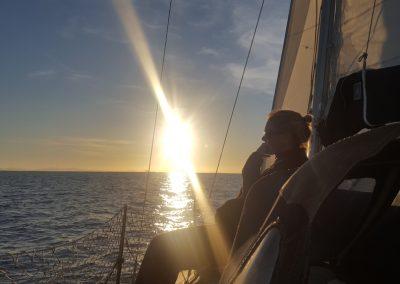 Puesta de sol en velero 2